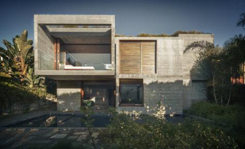 La Casa Phoenix tamiza el sol californiano con su singular geometría