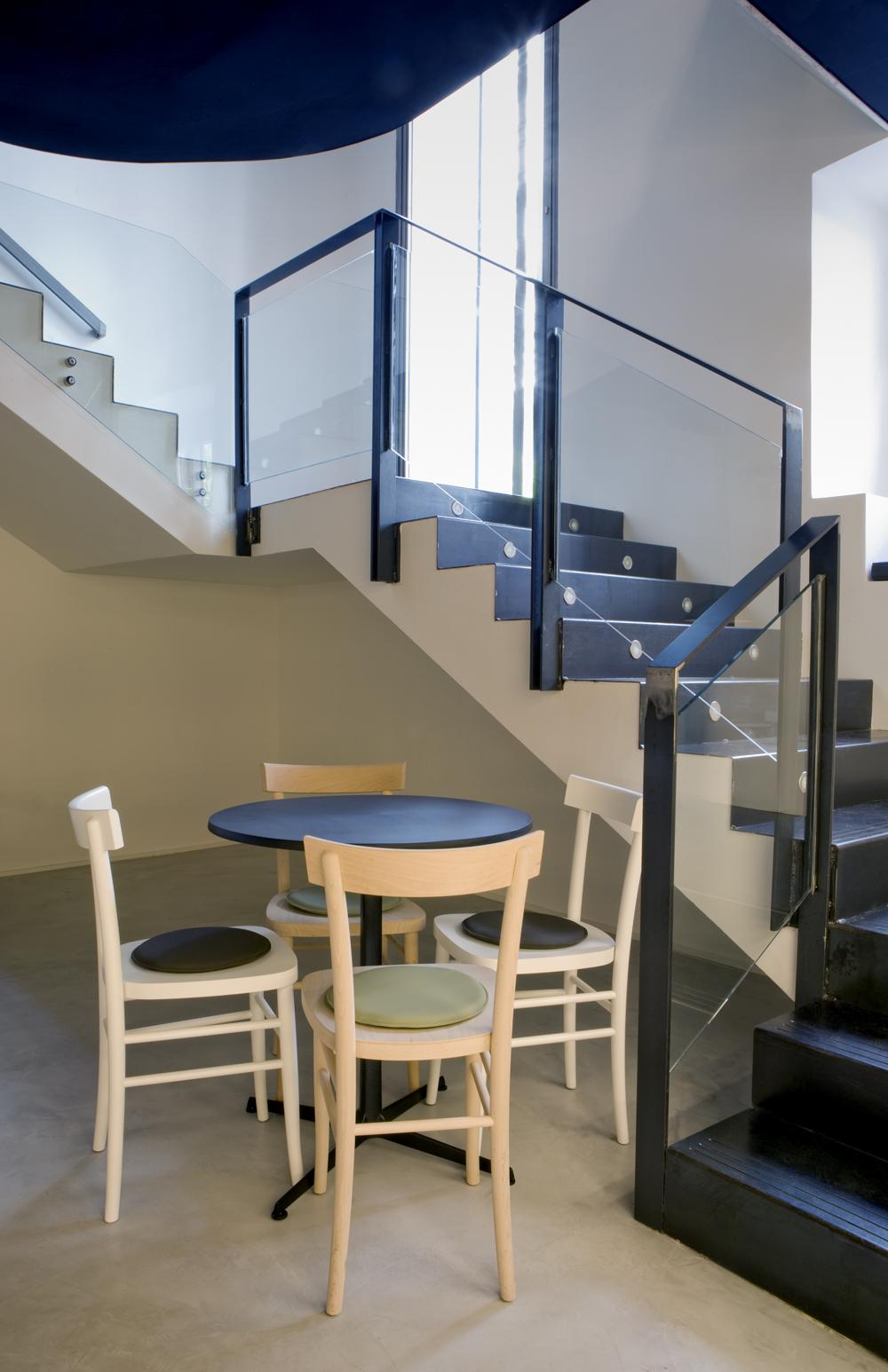 Escaleras A La Segunda Planta Despiertaymira