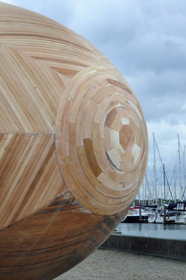 Floating-Wooden-Exbury-Egg-Shelter-8-feeldesain-