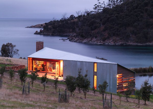 slide-dezeen-john-wardle-architects-shearers-quarters-north-bruny-island-tazmania-1