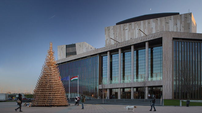 2-hello-woods-christmas-tree-made-out-of-365-sleighs-at-the-palace-of-arts-budapest