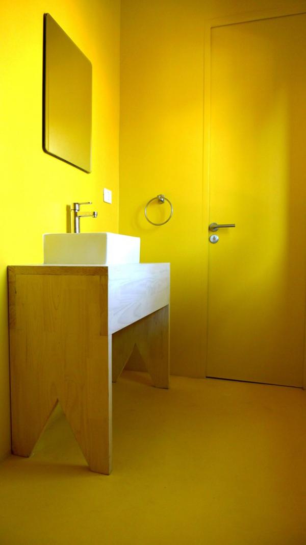 baño amarillo de felipe ortiz