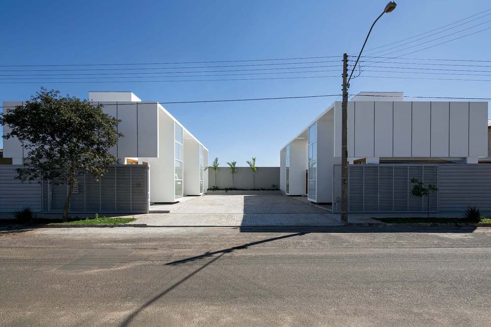 52a1e4bbe8e44ec623000059_casas-av-corsi-hirano-arquitetos_66402_130606-030d