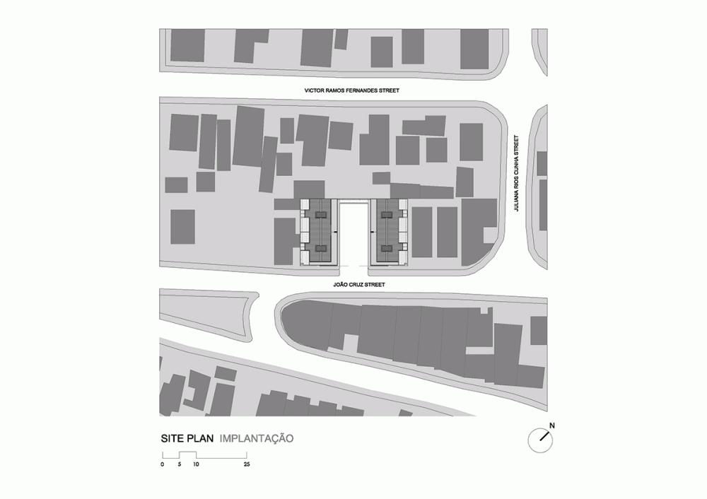 52a1e4ffe8e44ec62300005d_casas-av-corsi-hirano-arquitetos_1106_site_plan_implanta-o-1000x706