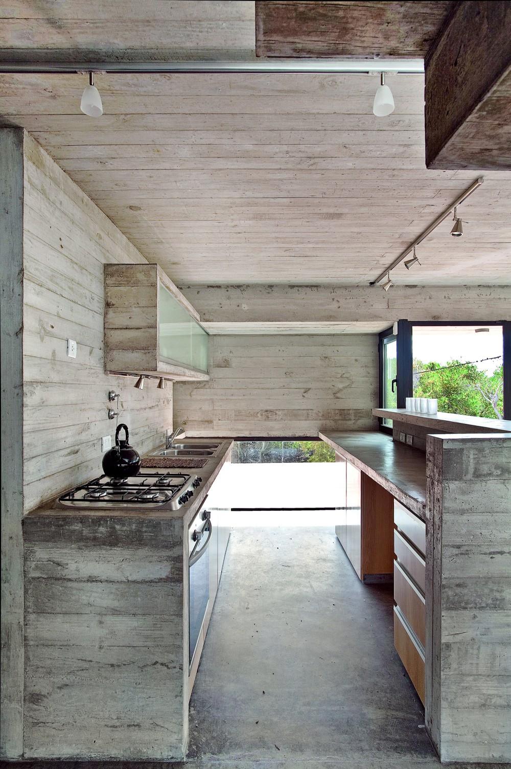 529d3255e8e44e553d000038_casa-en-la-playa-bak-architects_00265330-1000x1504