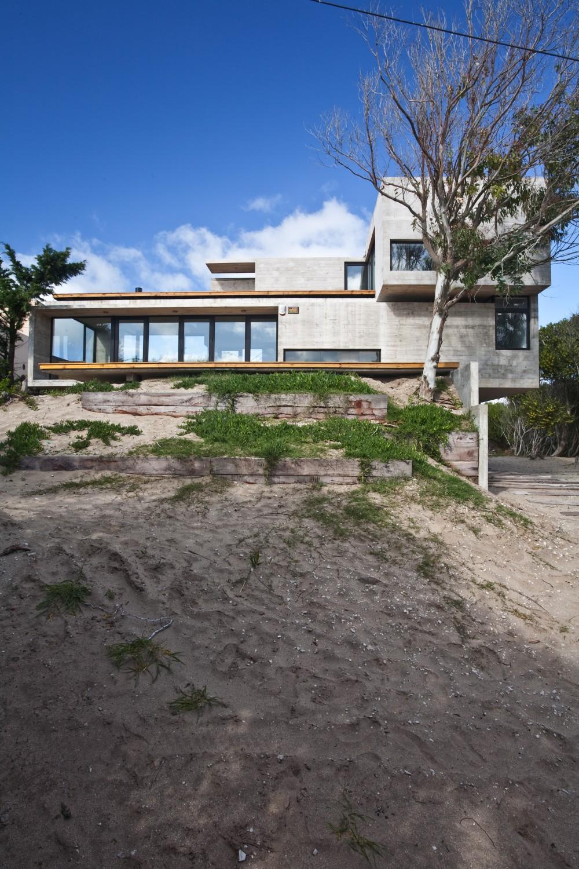 529d3398e8e44e012000003f_casa-en-la-playa-bak-architects_00265399-1000x1500