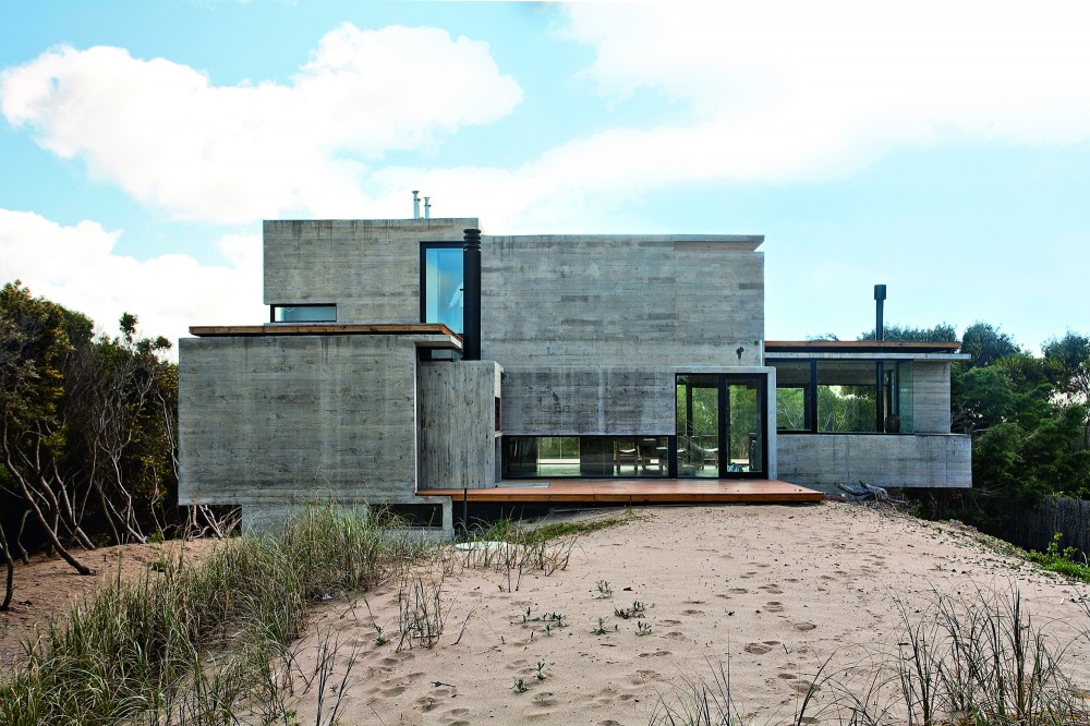 529d34bbe8e44e0120000041_casa-en-la-playa-bak-architects_00265422-1000x666
