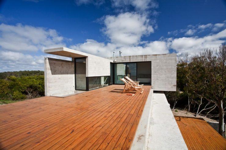 529d3523e8e44eca5b000044_casa-en-la-playa-bak-architects_00265437-1000x666