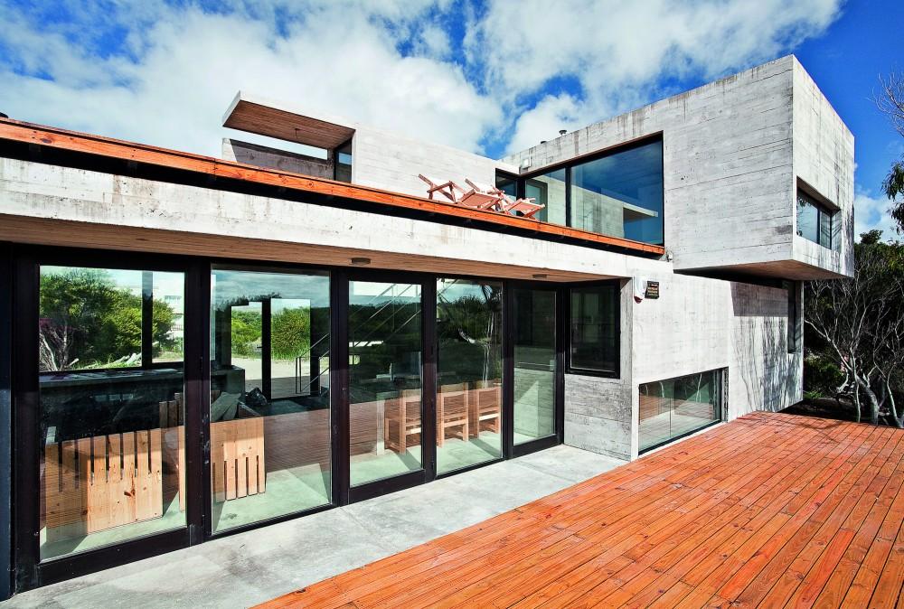 529d3528e8e44e553d00003f_casa-en-la-playa-bak-architects_00265429-1000x674