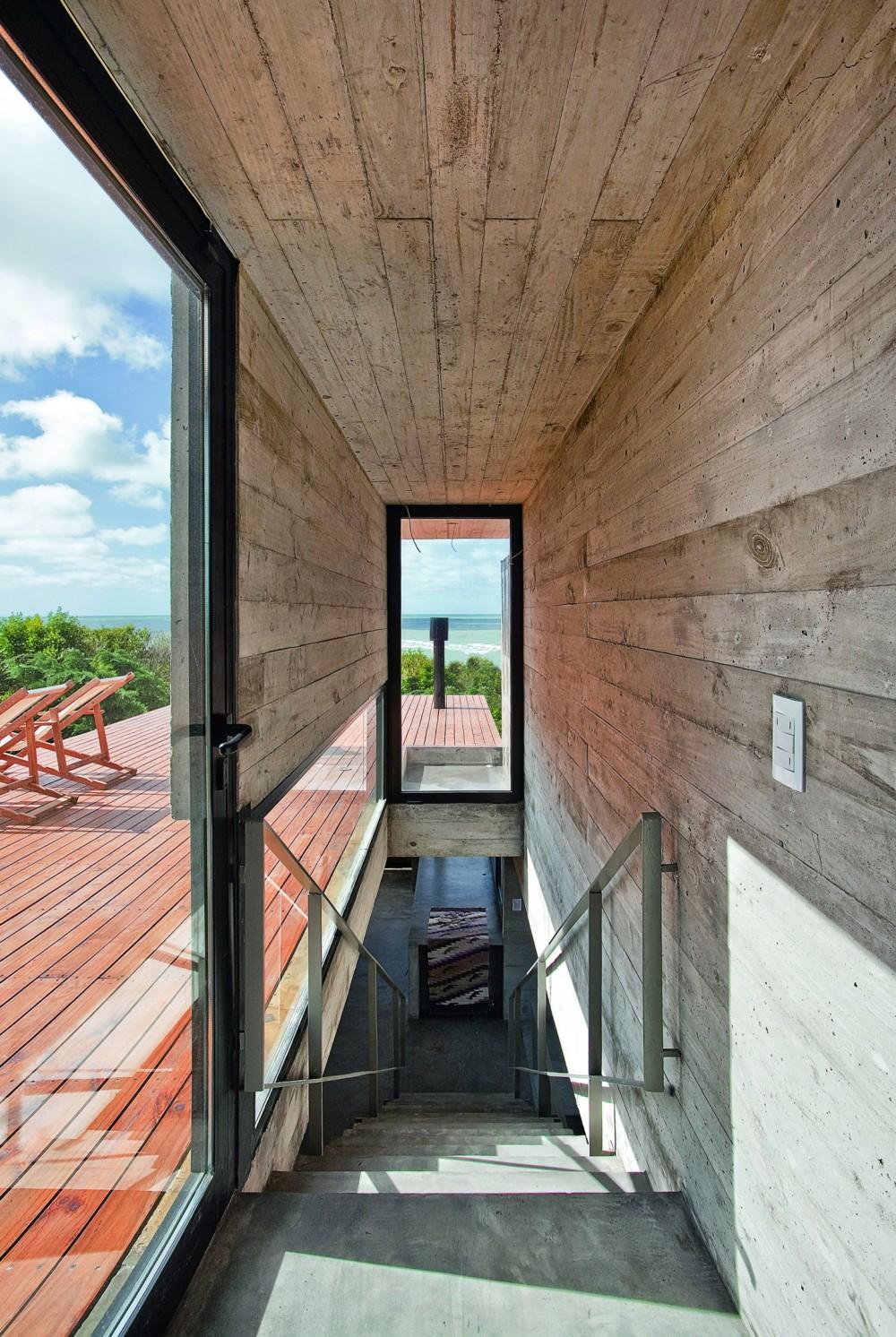 529d35d3e8e44e553d000042_casa-en-la-playa-bak-architects_00265447_r-1000x1492