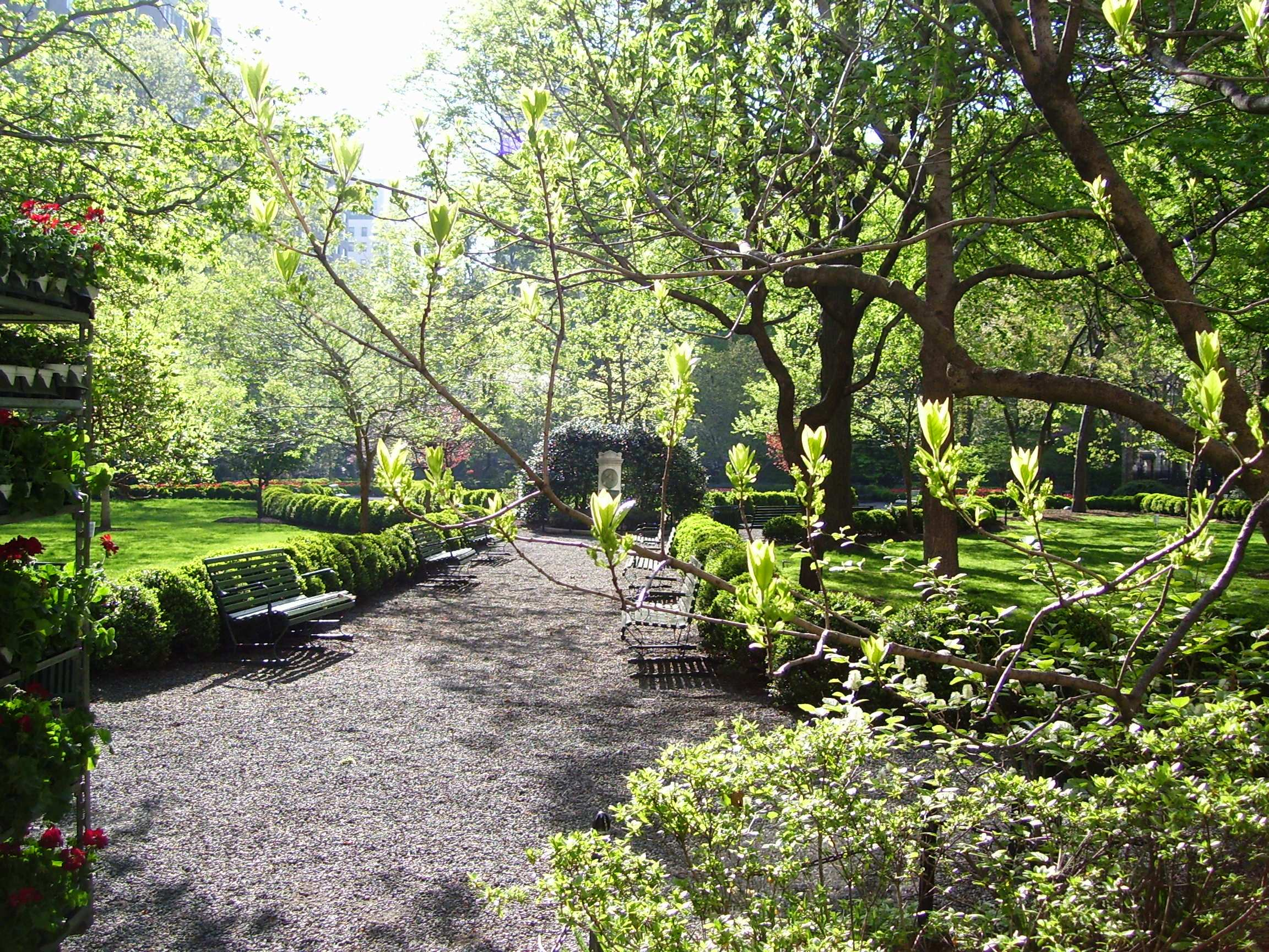Gramercy_Park_interior_W_gate