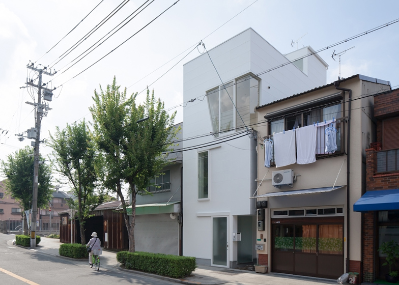 dezeen_House-in-Tamatsu-by-Ido-Kenji-Architectural-Studio_ss_11