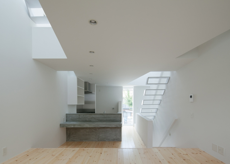 dezeen_House-in-Tamatsu-by-Ido-Kenji-Architectural-Studio_ss_9