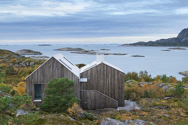kolman-boye-vega-cottage-exterior7b-via-smallhousebliss