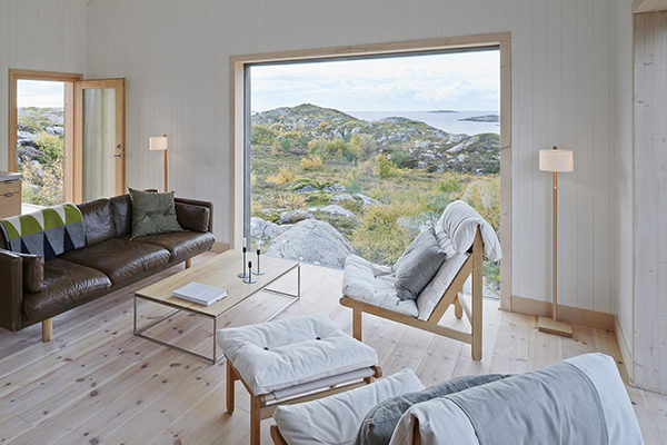 kolman-boye-vega-cottage-interior4-via-smallhousebliss