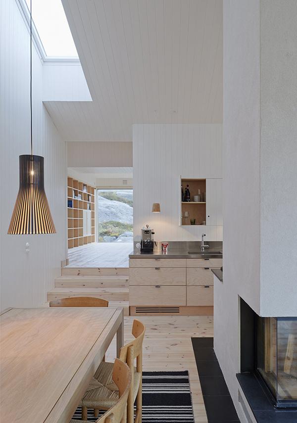 kolman-boye-vega-cottage-interior9-via-smallhousebliss