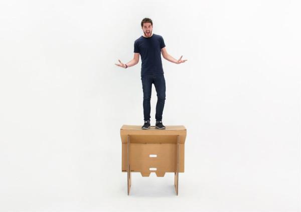 Refold_Portable-cardboard-desk-Matt-Innes-3-600x422