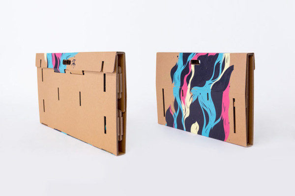 Refold_Portable-cardboard-desk-Matt-Innes-9-600x399