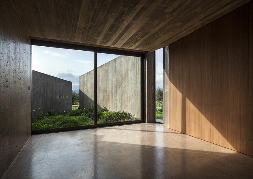 tense-architecture-residence-in-megara-despiertaymira4