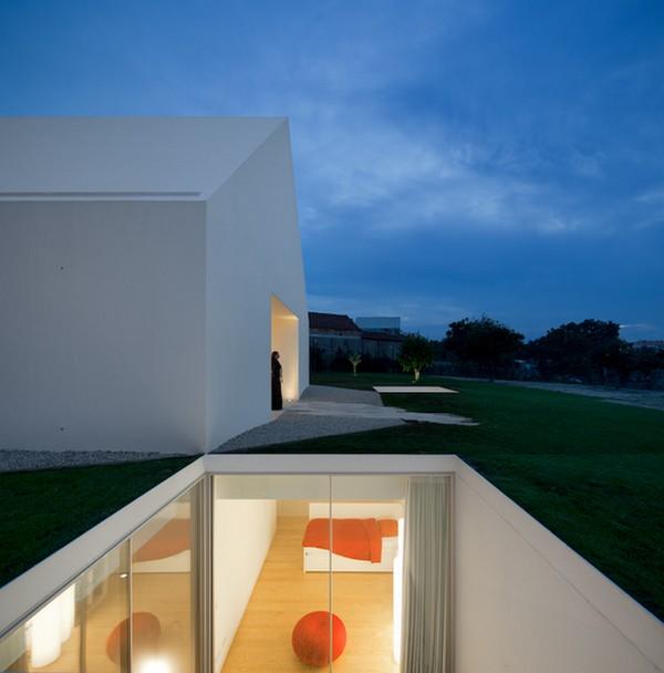 Casa Leiria de Aires Mateus. Minimalismo contemporáneo.