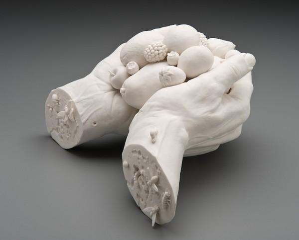 Las inquietantes esculturas de Kate MacDowell