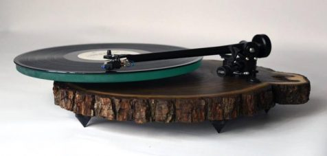 ¿Un tocadiscos de madera?