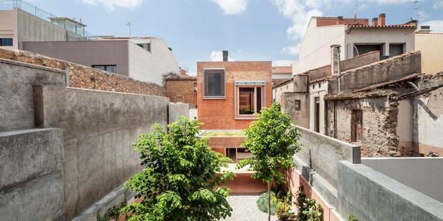 Casa 1014, la continuidad bioclimática de los patios interiores