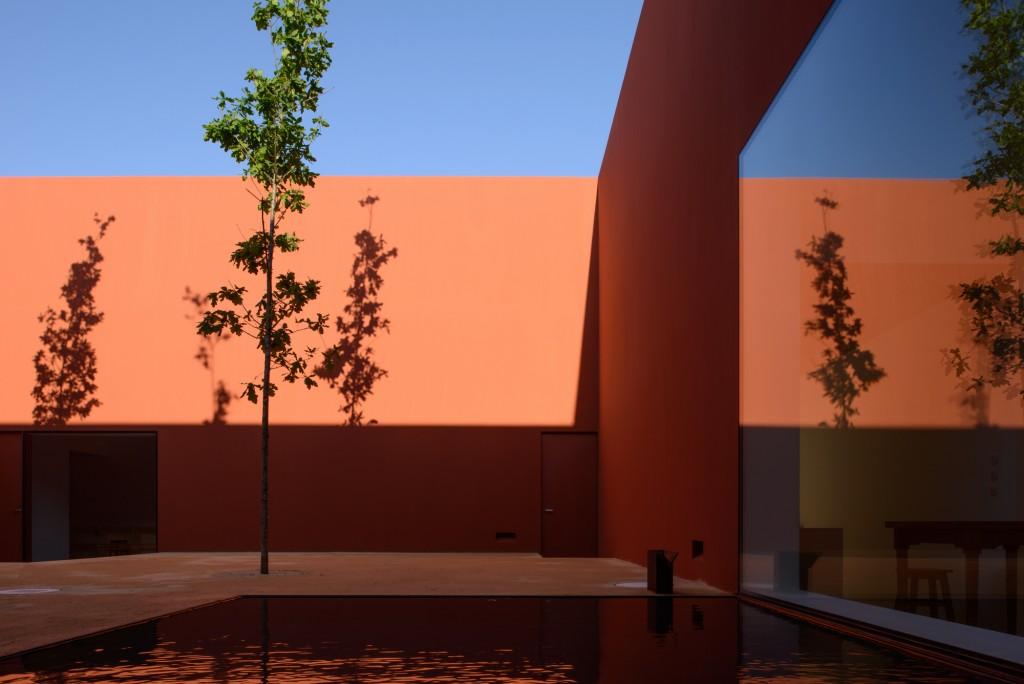 DESPIERTAYMIRA Casa en Oeiras. Pedro Domingos Arq Photo © João Carmo Simões (9)