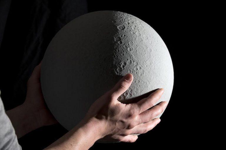 Detalle de los cráteres de la luna proyecto Moon.