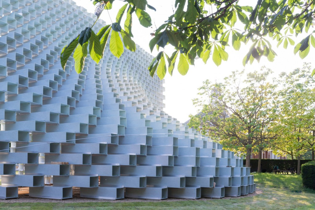 Imagen lateral del Serpentine Pavilion en Hyde Park