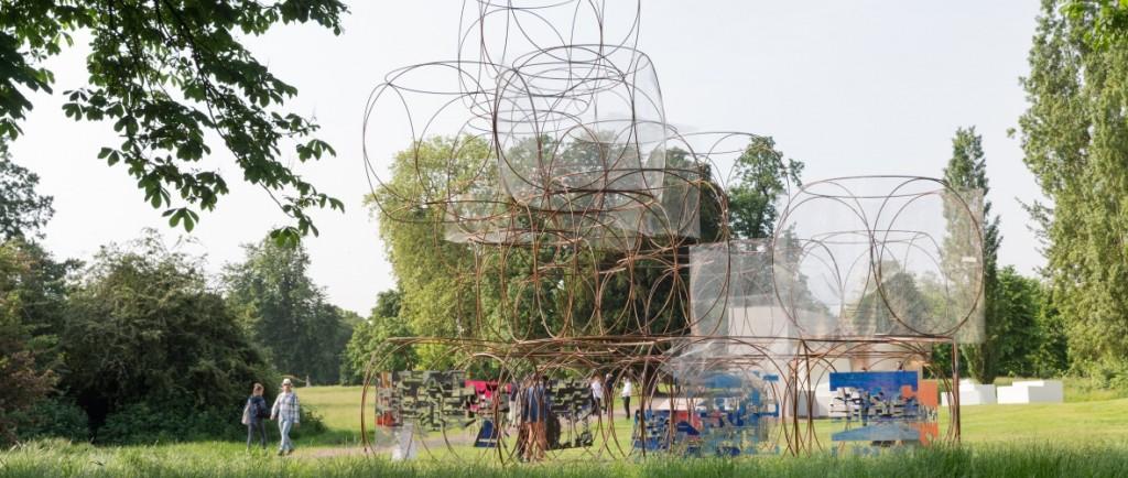 Casa de verano diseñada por Yona Friedman para el serpiente pavilion 2016
