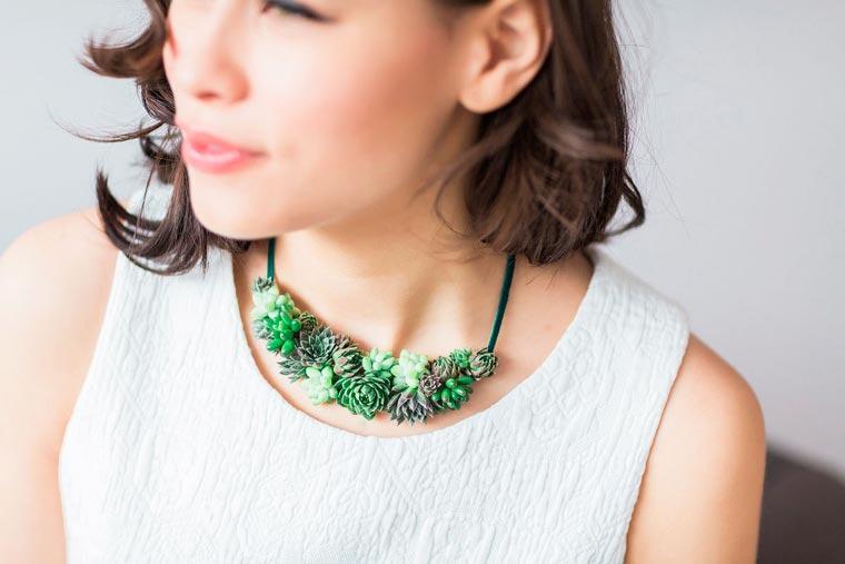 Collar de plantas de la colección living jewelry