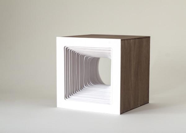 Detalle de la lampara con forma cuadrada