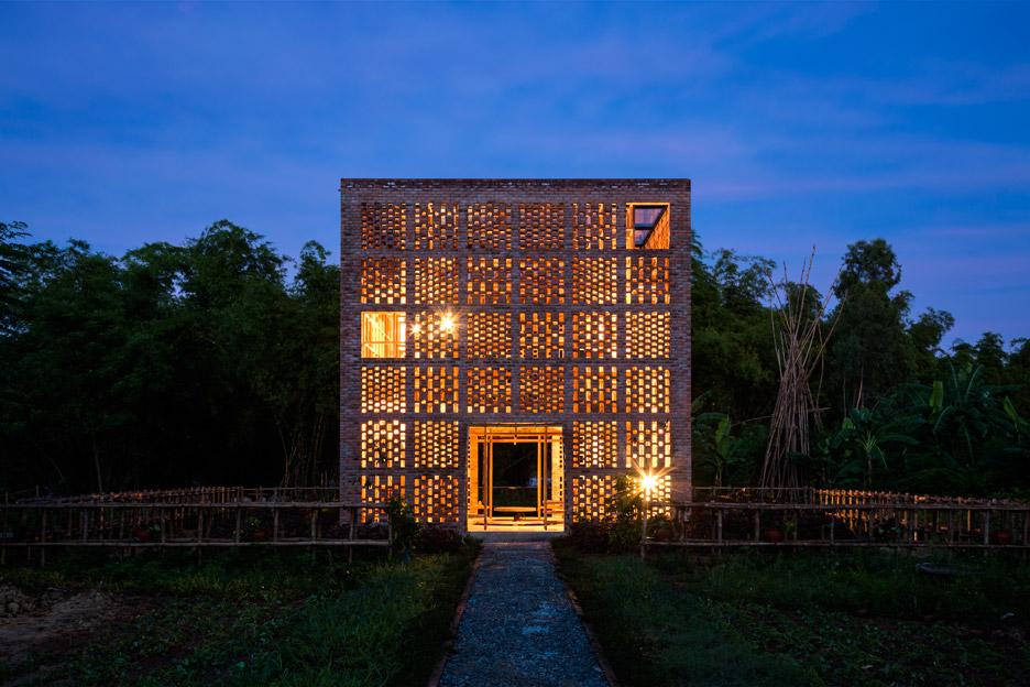 Terra Cotta Studio, un sugerente mosaico vietnamita de ladrillos
