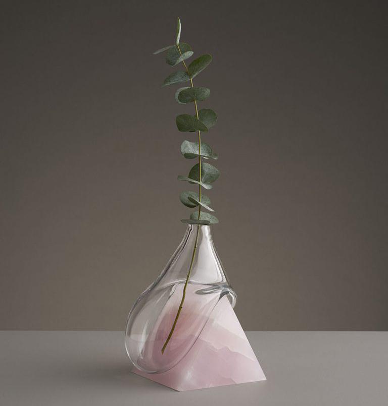 Indefinite Vases recuerda los conocidos relojes blandos de Dalí.