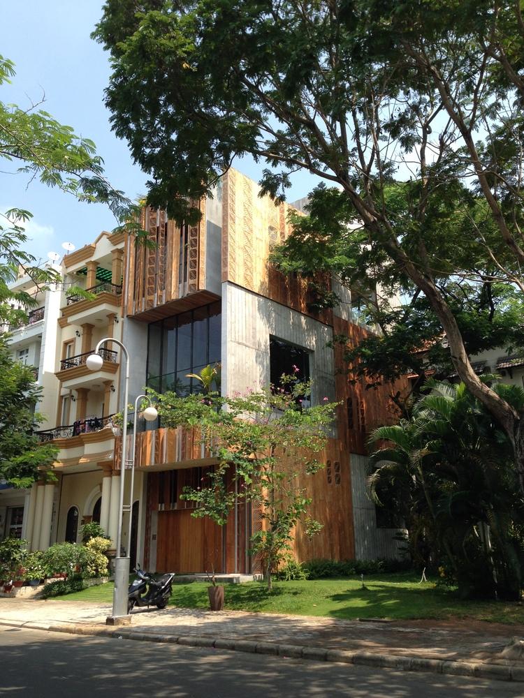 Thong House, una belleza contemporánea con sabor tropical