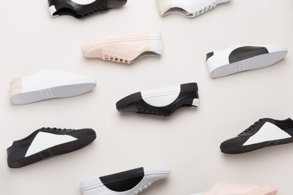 calzado unisex caracterizado por el minimalismo