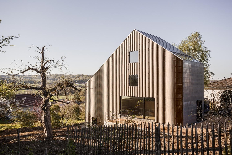 Una casa de montaña que rompe moldes en Rodersdorf