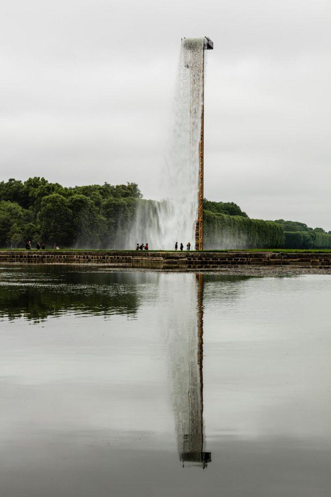 """Detalle de la """"Catarata"""" levantada en el Gran Canal"""