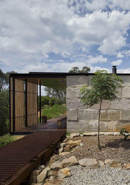 Hormigón australiano reciclado para la Sawmill House