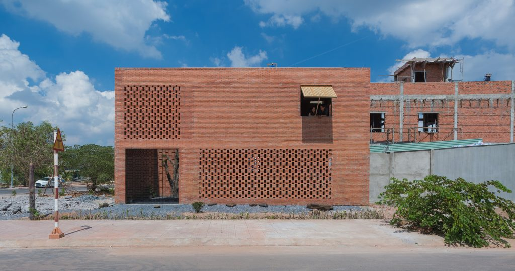 viviendas agradables y funcionales para familias de clase media. Tropical Space