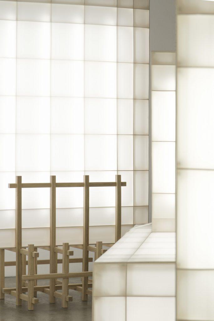 Detalle de base elaborada con listones de madera
