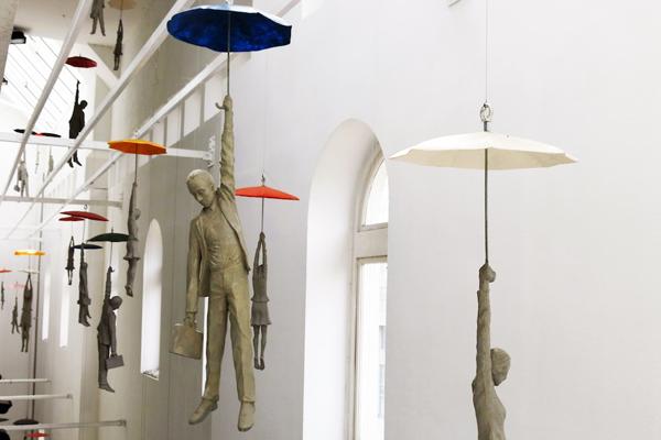 la escultura en Italia, Reino Unido y hasta los salones de un crucero