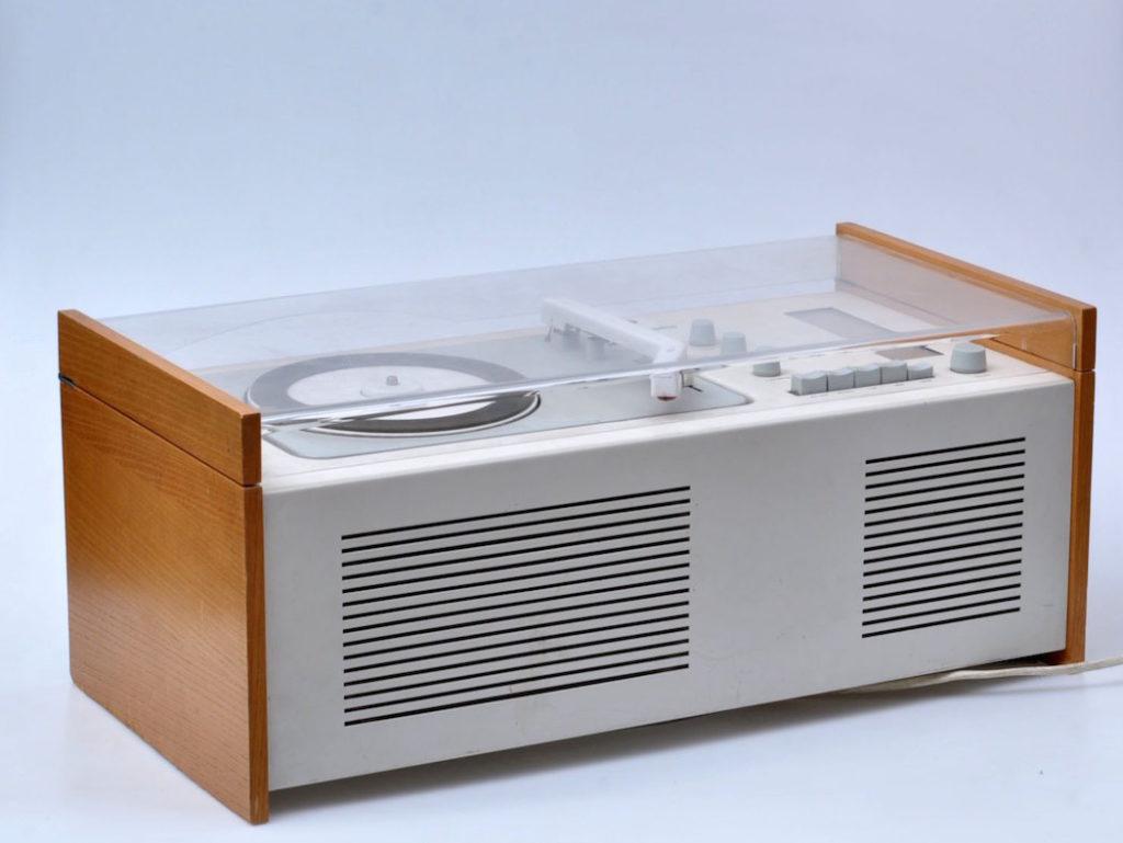 Tocadiscos diseñado por Dieter Rams