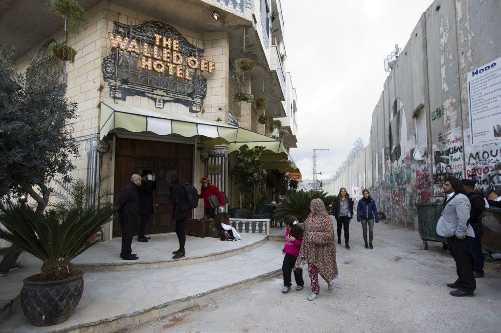 Última instalación de Bansky el Walled Off Hotel