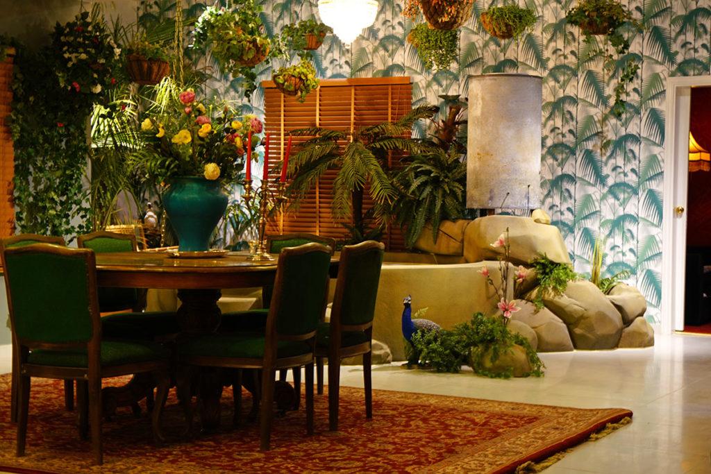 habitación inspirada en los trópicos