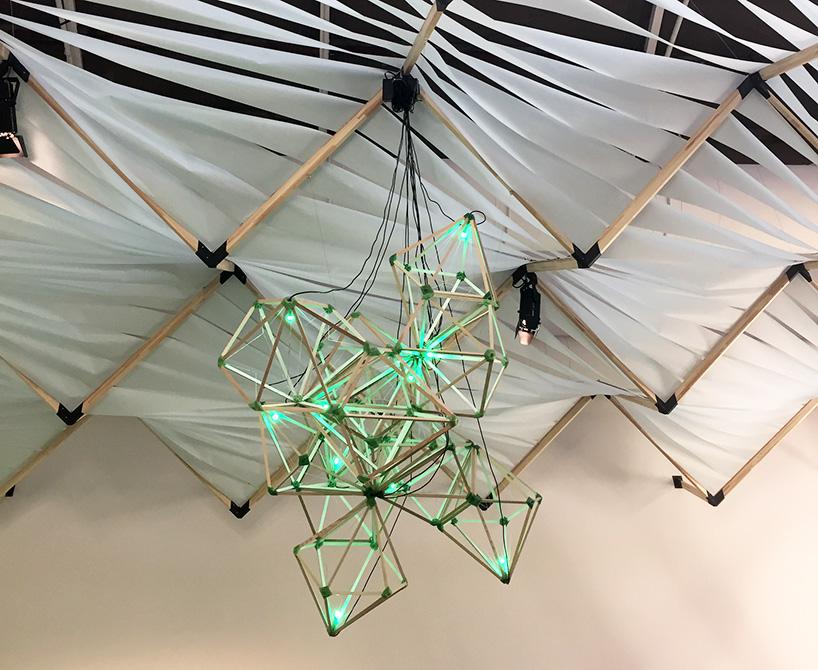 Detalle Green Light en la Bienal de Venecia