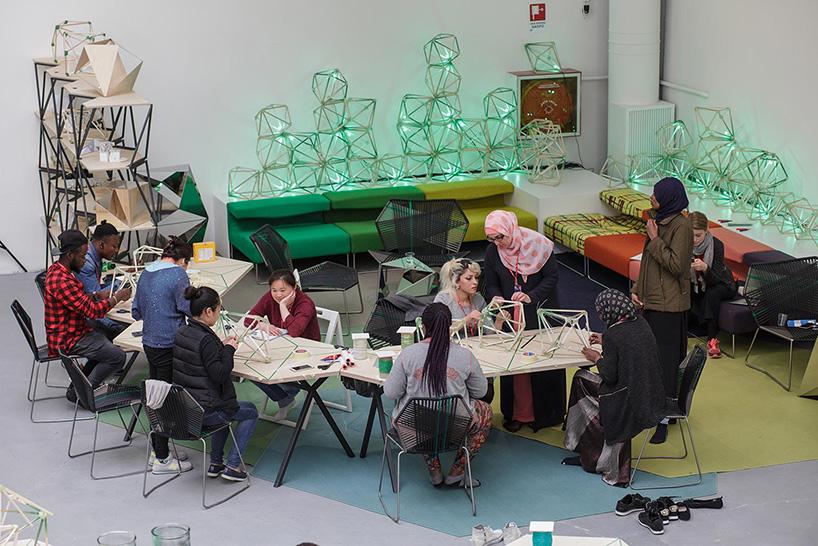 Bienal de Venecia 2017 construcción de lámparas LED