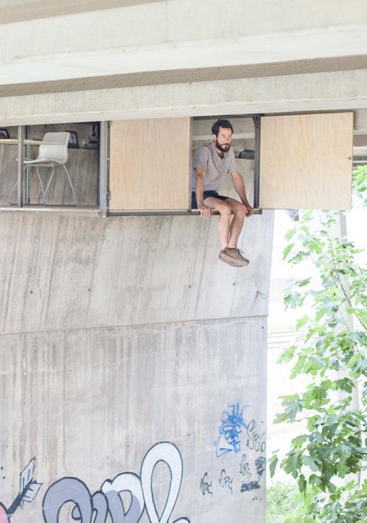 El refugio secreto de Fernando Abellanas bajo el puente