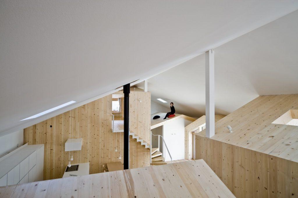 House K, Yoshichika Takagi. Pilares imitando chimeneas